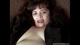 Gorgeous muscled old spunker nails her tasty pussy for you