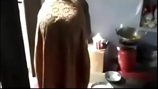 Bangladshi Bhabhi get fucked in the kitchen.